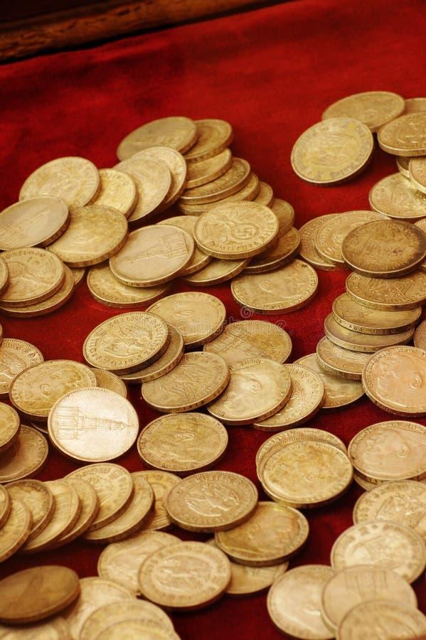 Монетки собрания нацистской Германии стоковое фото rf