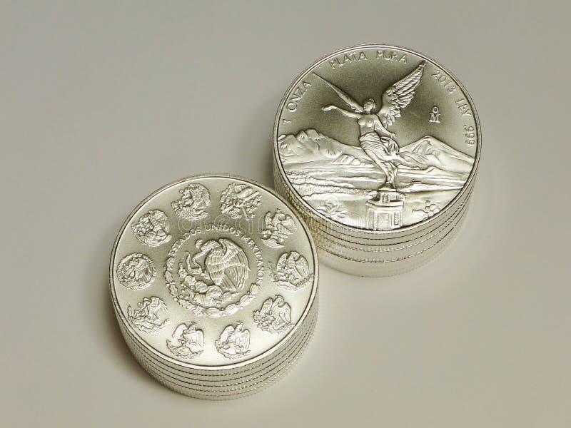 1 монетки oz мексиканские серебряные Libertad стоковое изображение rf