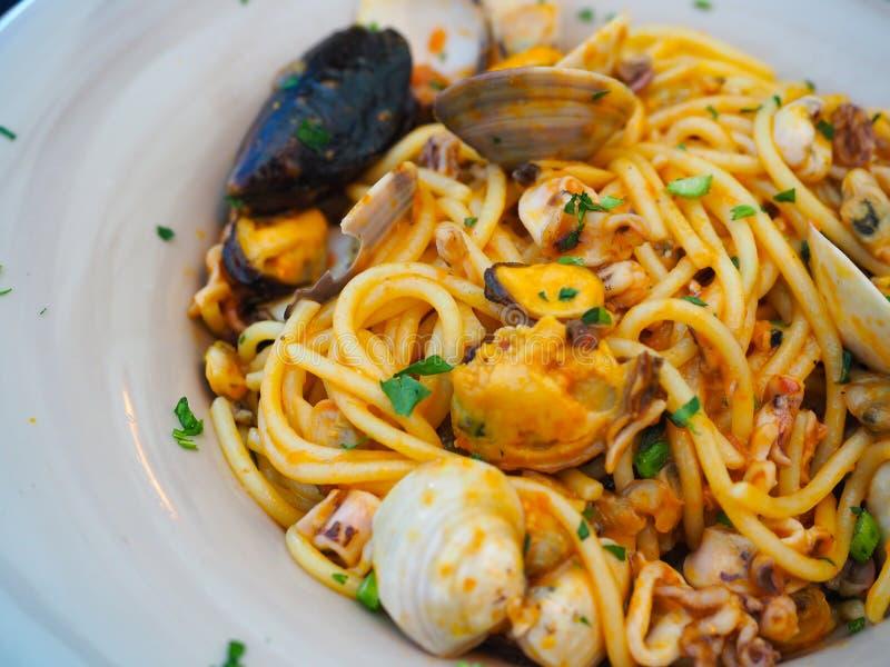 морепродукты спагетти, известная еда в Италии стоковое фото rf