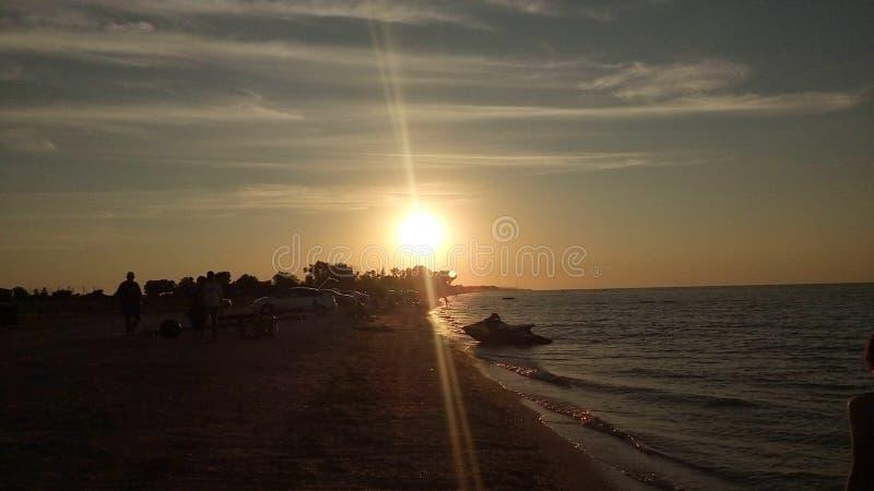 Море Азова, заход солнца стоковые фотографии rf
