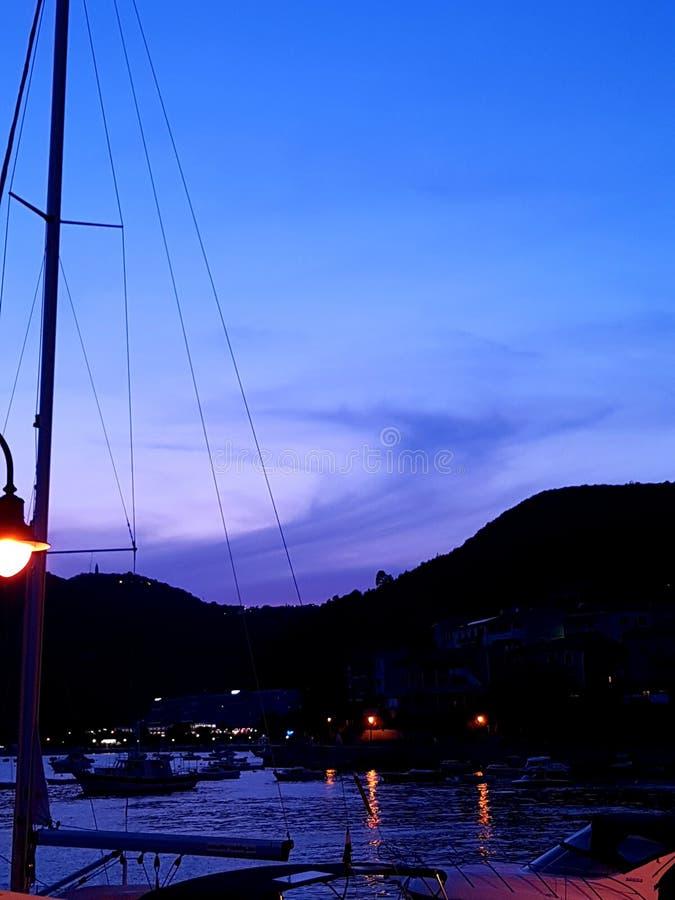 Море в вечере стоковое изображение rf