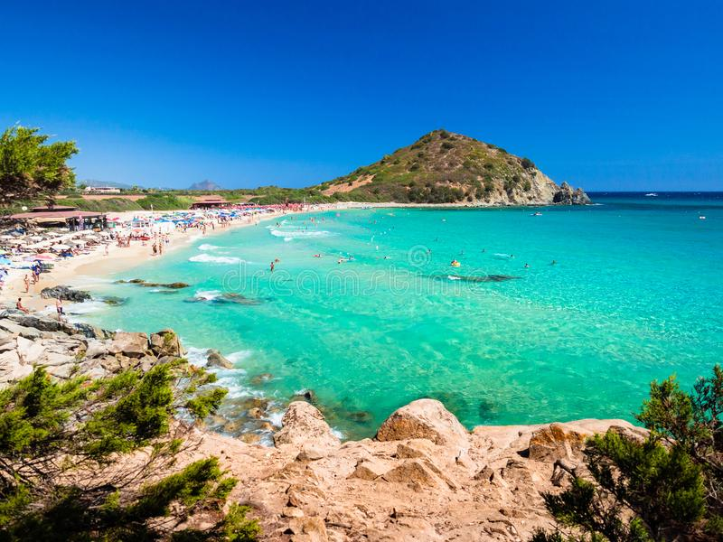Море прозрачных и бирюзы в Cala Sinzias, Villasimius стоковая фотография