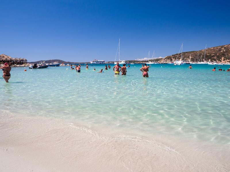 Море прозрачных и бирюзы в Punta Molentis, Villasimius sa стоковое фото