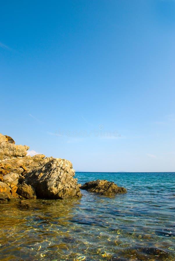 море свободного полета облицовывает воду стоковое фото rf