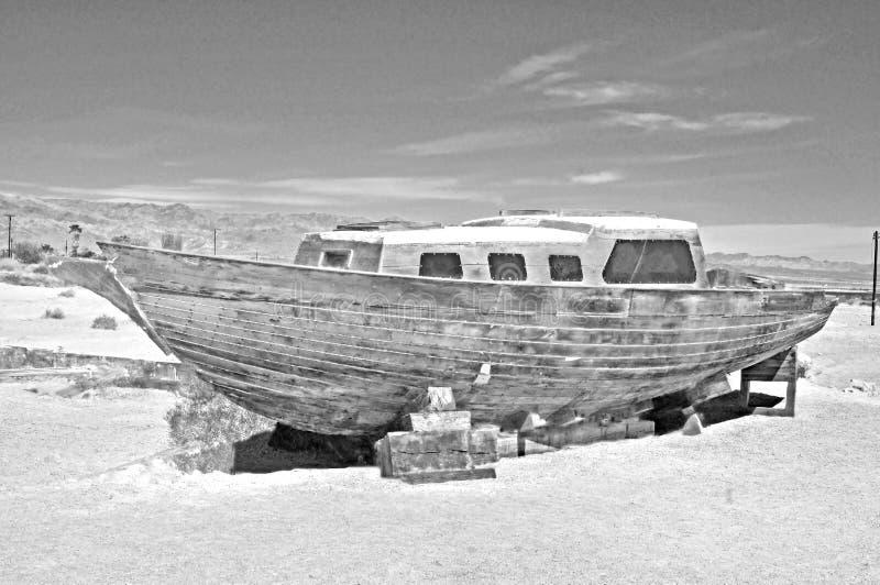 Море Солтона: Покинутый парусник стоковые фотографии rf