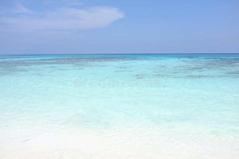 Море чистой воды красивое на острове Tachai, Phang Nga Таиланде стоковое фото rf