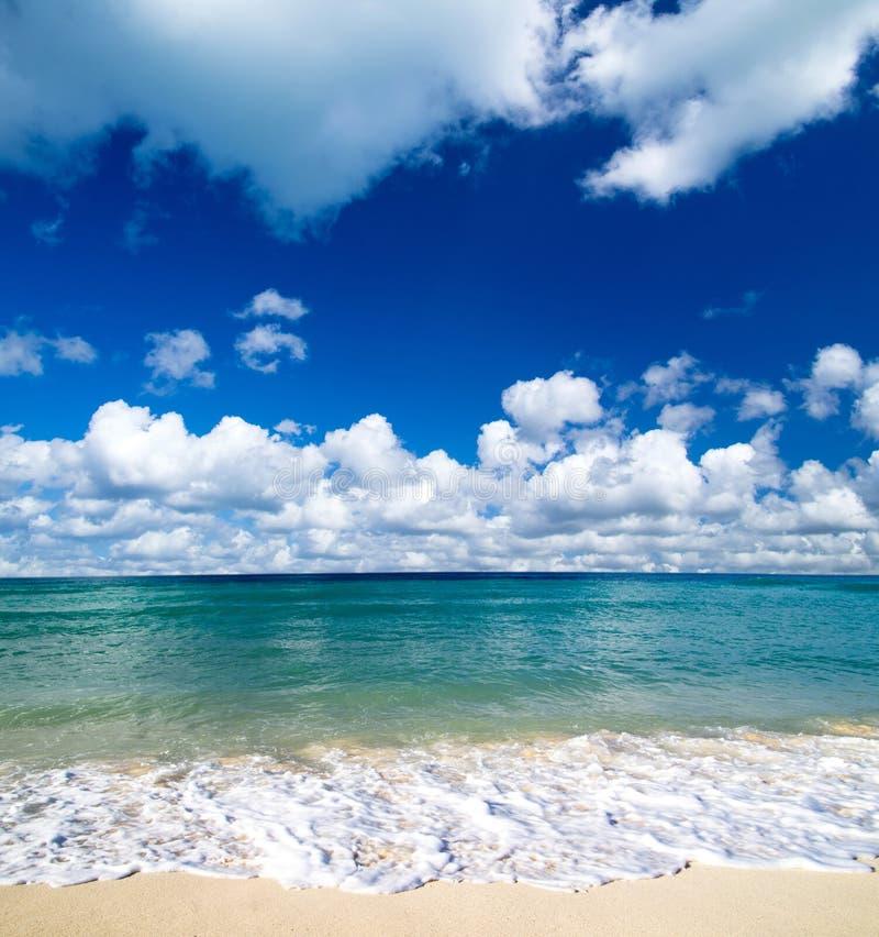Download Море стоковое фото. изображение насчитывающей backhoe - 33729322