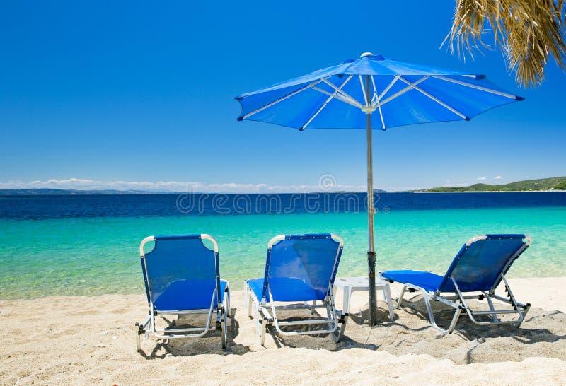 Download Море стоковое изображение. изображение насчитывающей солнечность - 33729735