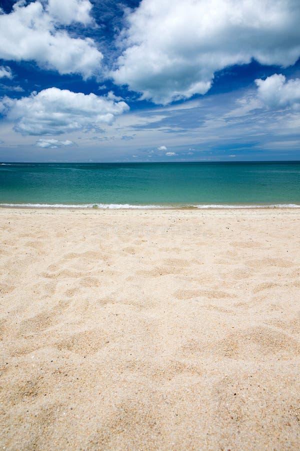 Download Море стоковое изображение. изображение насчитывающей напольно - 33729841