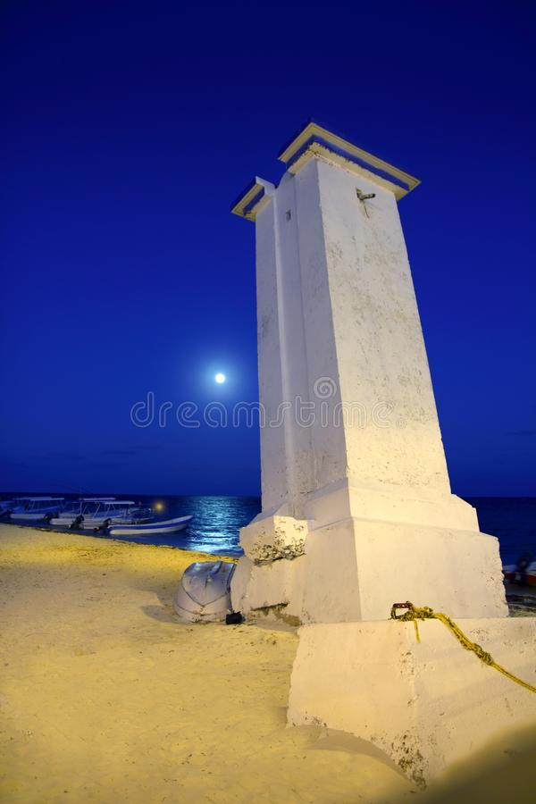 Download море Puerto ночи Morelos луны маяка Стоковое Изображение - изображение насчитывающей cancun, океан: 18387385