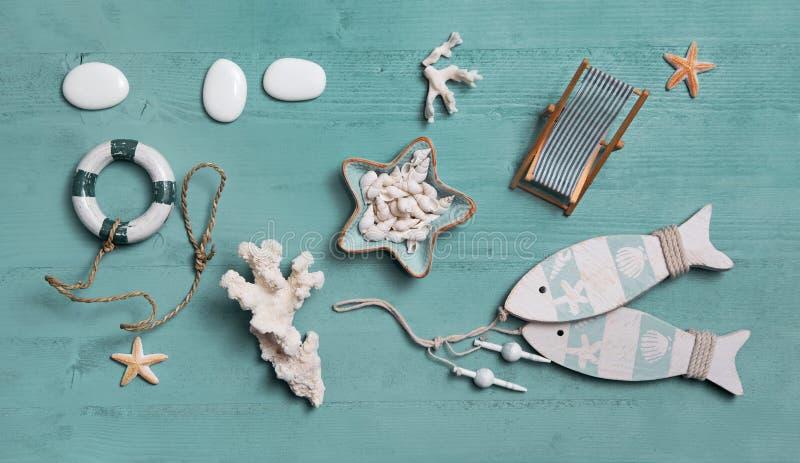 Морское или морское украшение на летние каникулы: раковины, fis стоковые изображения rf