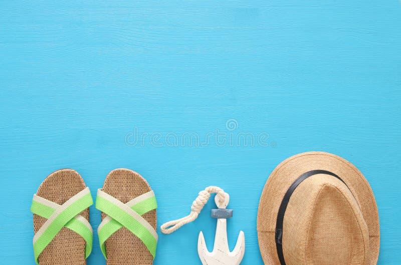 морской, каникул и изображение перемещения с морской жизнью введите объекты в моду Взгляд сверху стоковая фотография rf