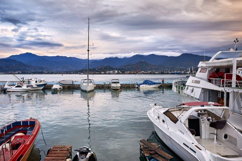 Download Морской порт Батуми редакционное фотография. изображение насчитывающей гора - 108328352