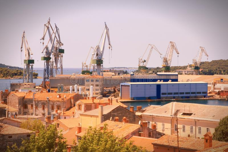 Download Морской порт в Хорватии стоковое фото. изображение насчитывающей груз - 37929644