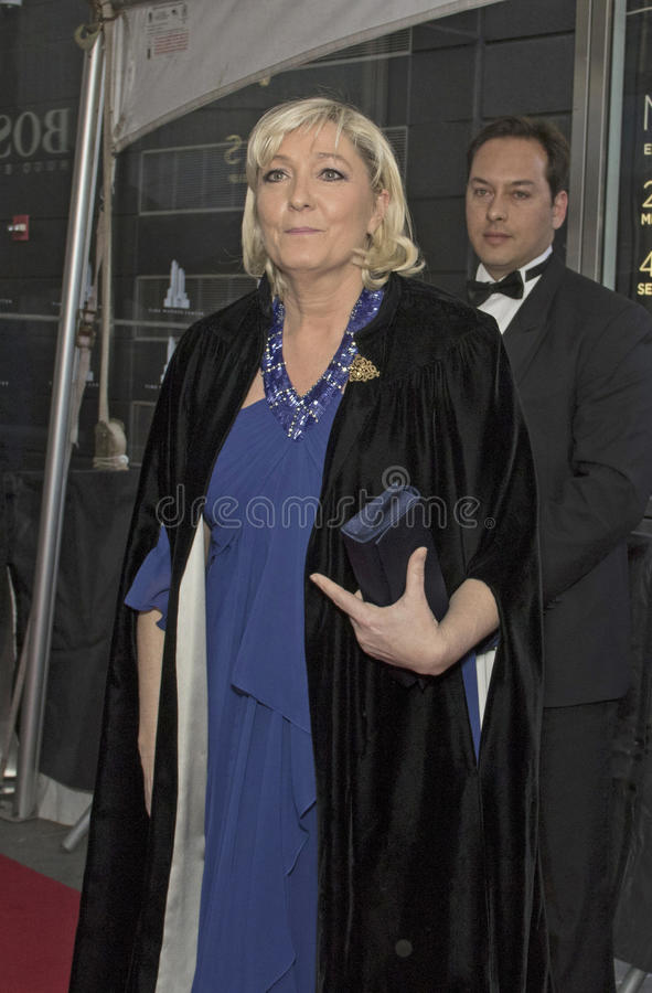 Морской Le Pen приезжает на 2015 время 100 торжественное стоковая фотография