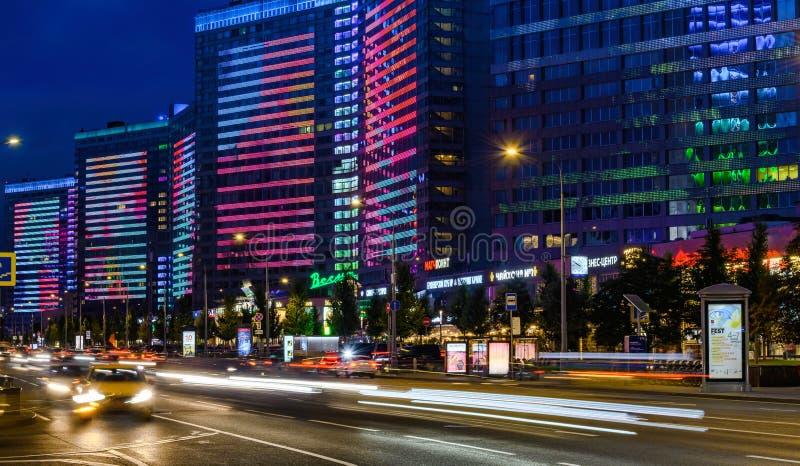 Москва - 20-ое июля 2019: Новая улица Arbat в Москве вечером, популярный ориентир стоковое изображение rf