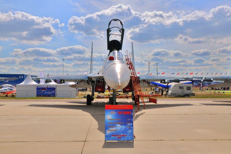 МОСКВА, РОССИЯ - АВГУСТ 2015: pres flanker-C истребительной авиации Su-30 стоковые фотографии rf