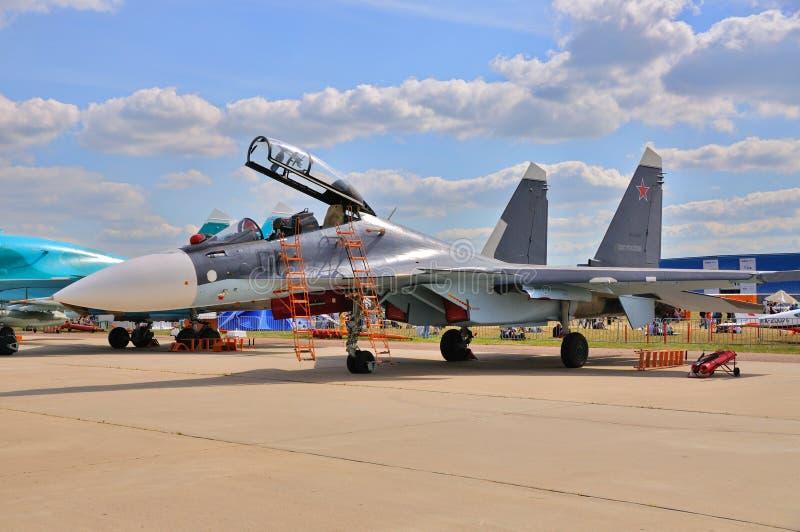 МОСКВА, РОССИЯ - АВГУСТ 2015: pres flanker-C истребительной авиации Su-30 стоковая фотография