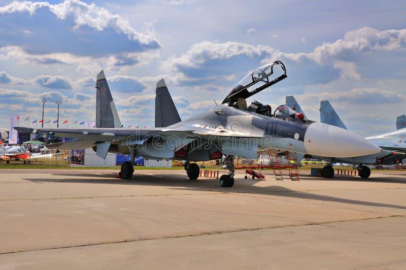 МОСКВА, РОССИЯ - АВГУСТ 2015: pres flanker-C истребительной авиации Su-30 стоковые изображения