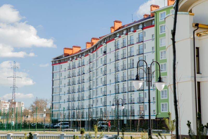 Москва, Россия, НОЯБРЬ 2018 Район Butovo, новое здание, панорамный вид в территорию около дома, новые дома, стоковые изображения