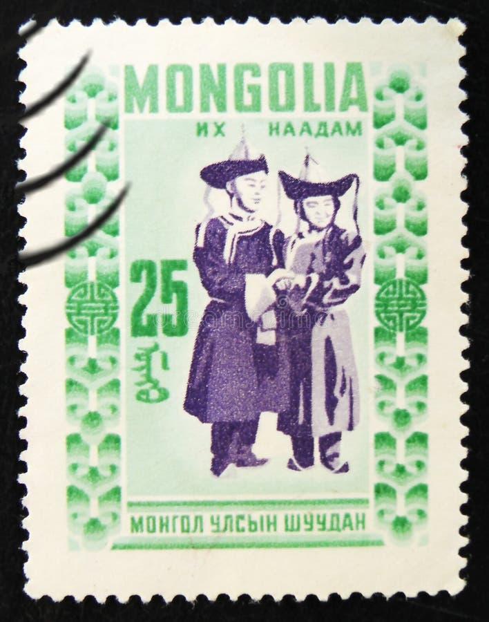 МОСКВА, РОССИЯ - 2-ОЕ АПРЕЛЯ 2017: Штемпель столба напечатанный в Монголии стоковая фотография