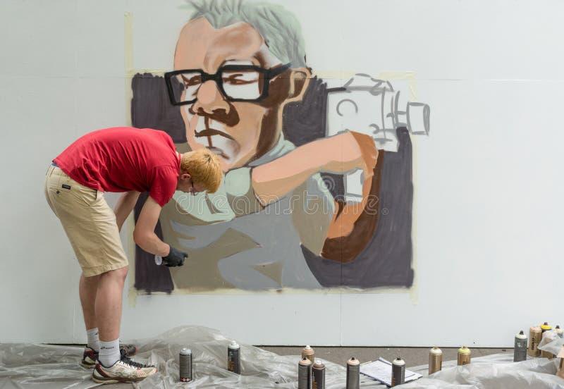 Москва, Россия - 18-ое июня 2016 Художники улицы состязаются в овладении биеннале стоковое изображение