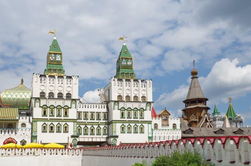 Москва, Россия - 17-ое июля 2015: Парадный вход к Izmailovo Кремлю стоковое фото