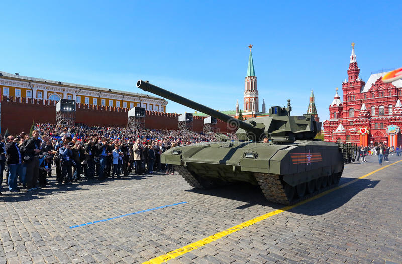 МОСКВА, РОССИЯ - 7-ОЕ МАЯ 2015: Репетиция парада в честь v стоковое изображение