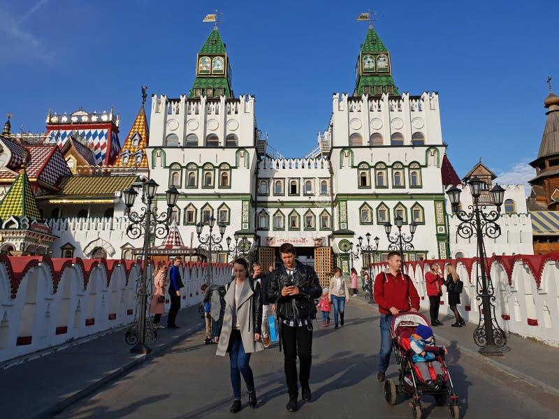 Москва, Россия - 14-ое октября парадный вход 2018 к Izmailovo Кремлю стоковая фотография