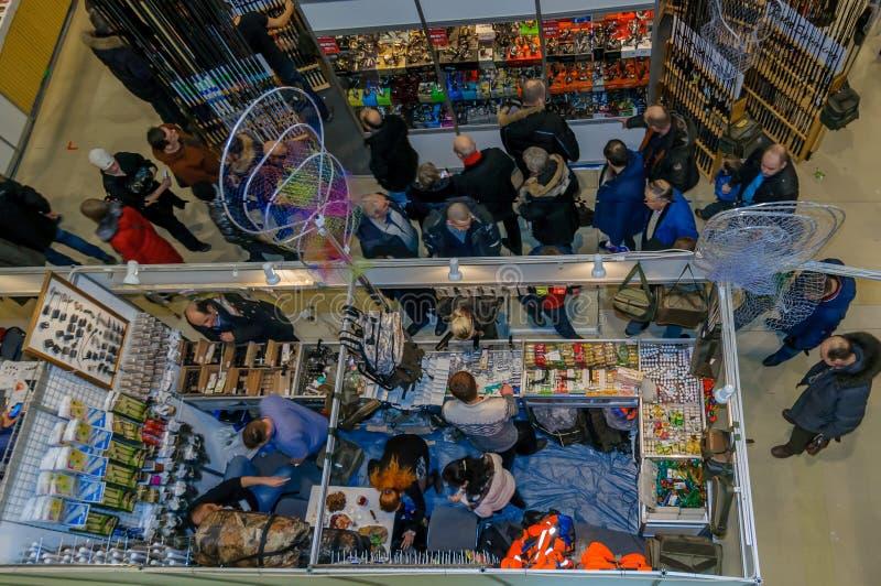 Москва, Россия - 25-ое февраля 2017: Взгляд сверху звероловства и рыбной ловли павильона выставки в России стоковая фотография rf