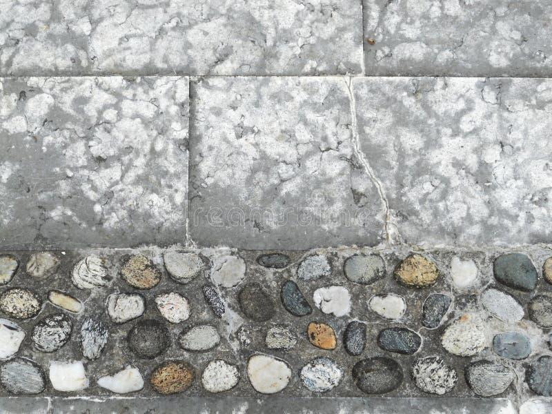 Мостоваая вымощая камня и камешков стоковая фотография