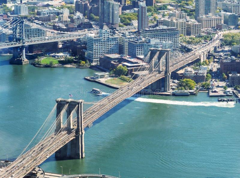 Мосты Бруклина и Манхаттана, вид с воздуха Нью-Йорка стоковая фотография rf
