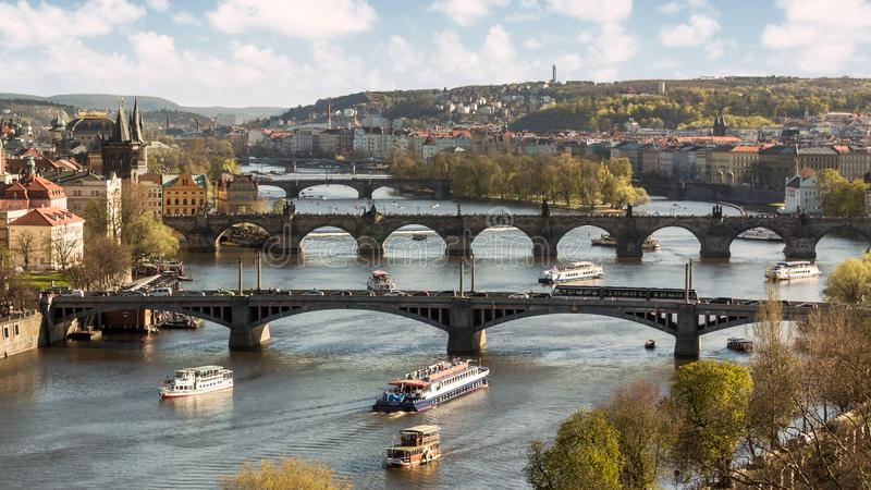Мосты реки Moldava в Праге стоковые фото