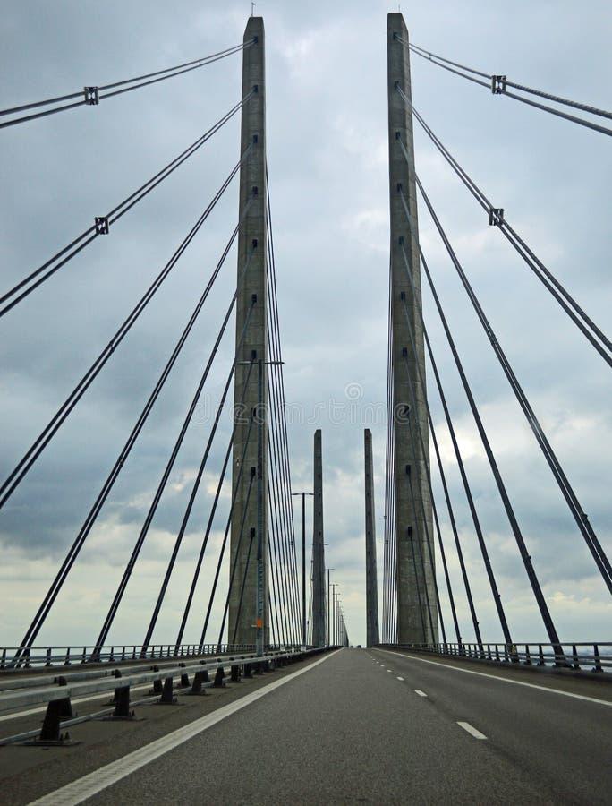 Мост Øresund на бурный день стоковая фотография rf