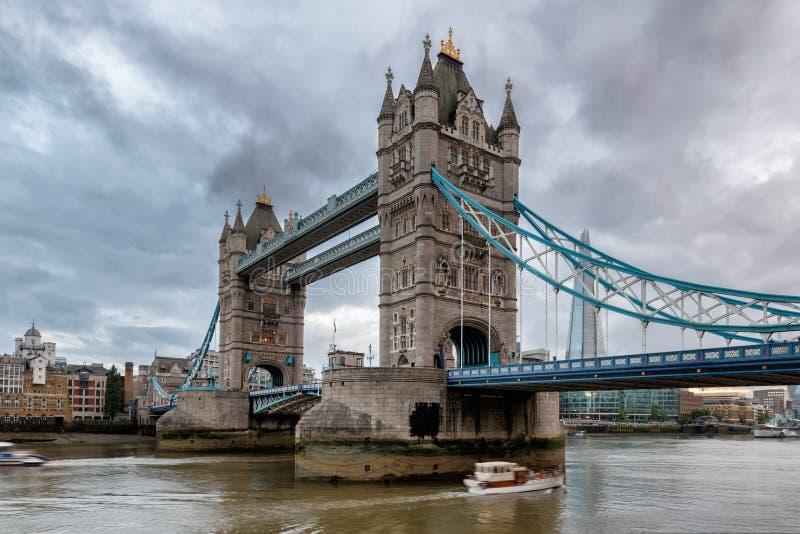 Мост башни, Лондон, Великобритания стоковое фото rf
