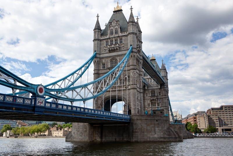 Мост башни, Темза, Лондон, Англия стоковые фотографии rf