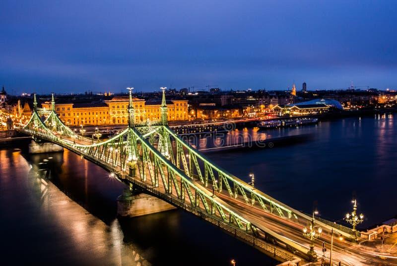 Мост Будапешт Венгрия свободы стоковые фото