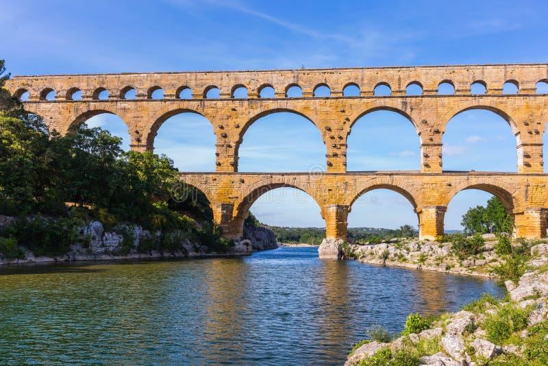 Мост был построен в римских временах стоковая фотография rf