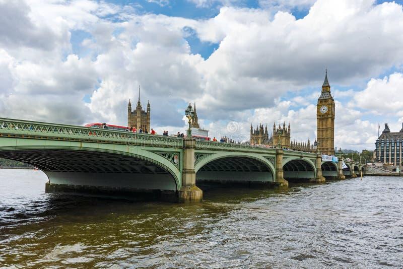 Мост Вестминстера и большое Бен, Лондон, Англия, Великобритания стоковые изображения rf