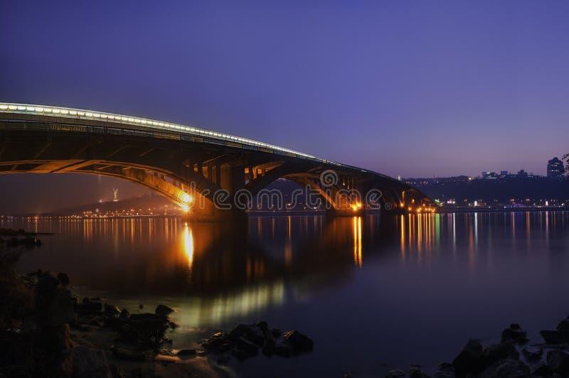 Мост вечера стоковое изображение rf