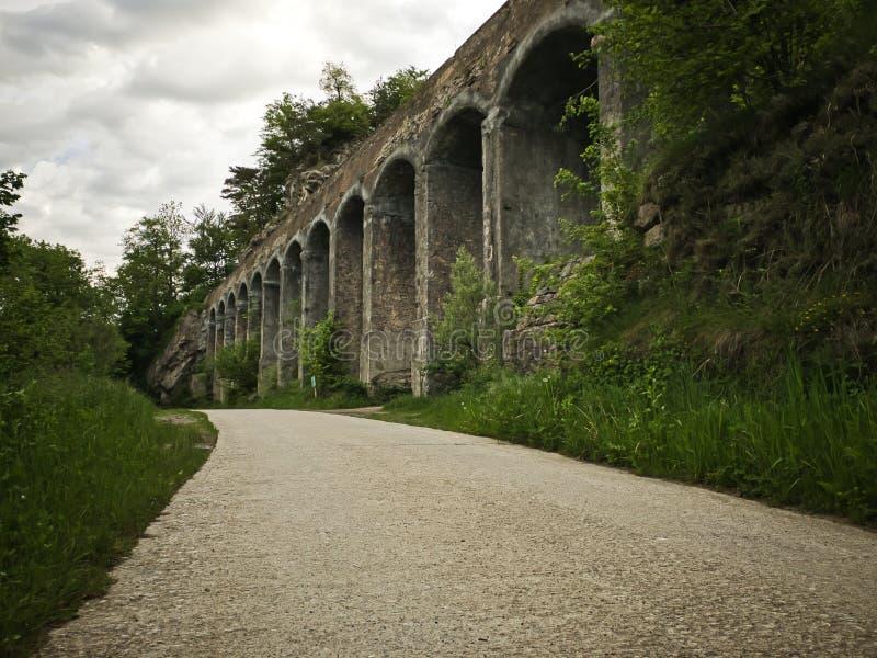 Мост мост-водовода для того чтобы транспортировать воду стоковые изображения