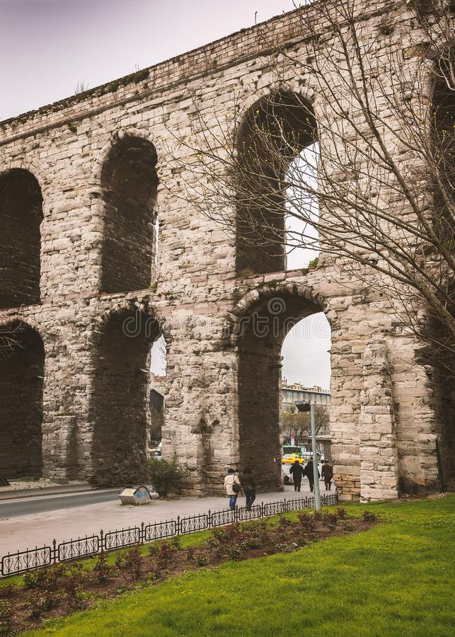 Мост-водовод Стамбула исторический стоковое изображение rf