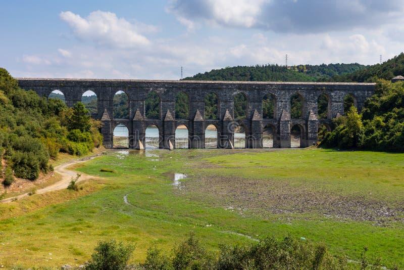 Мост-водовод Maglova, Maglova Su Kemeri в Turkish, Sultangazi, Стамбуле, Турции стоковые изображения rf