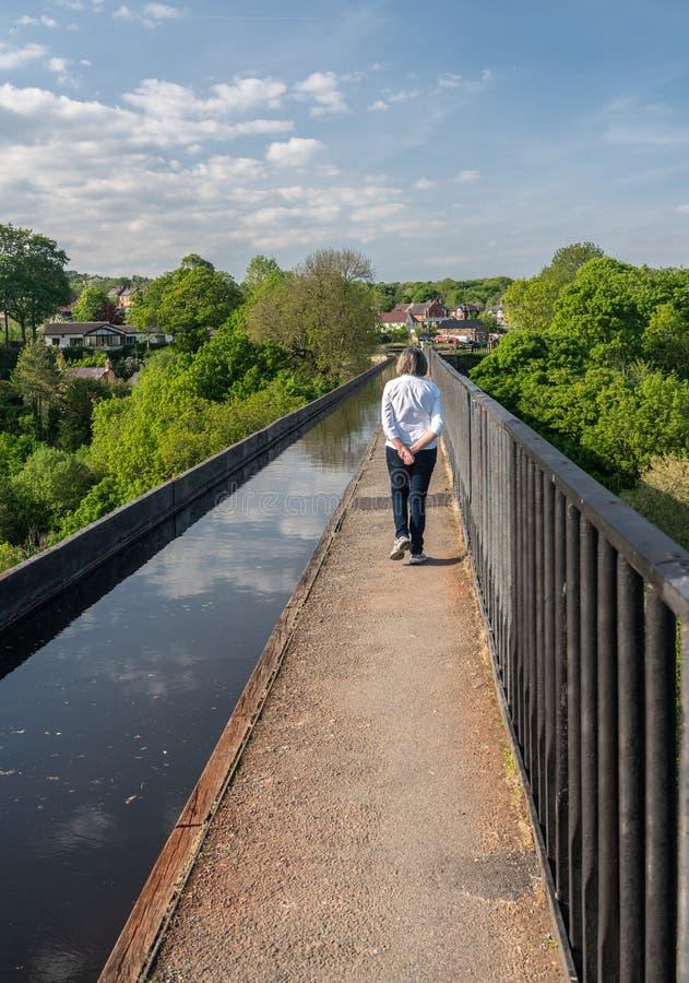 Мост-водовод Pontcysyllte около Llangollen в Уэльсе весной стоковые изображения