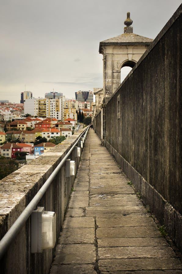 Мост-водовод Лиссабона стоковое изображение