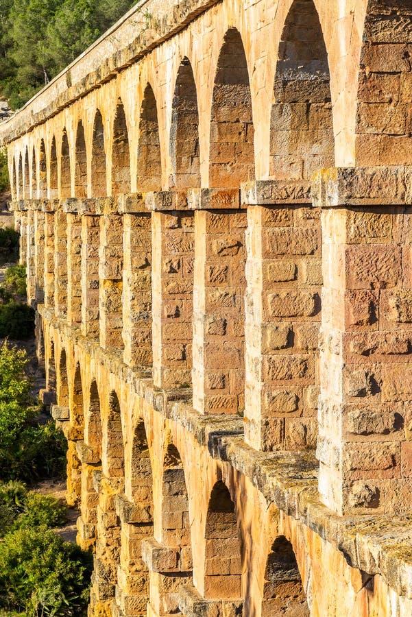 Мост-водовод Les Ferreres, также известный как Pont del Diable - Таррагона, Испания стоковые изображения