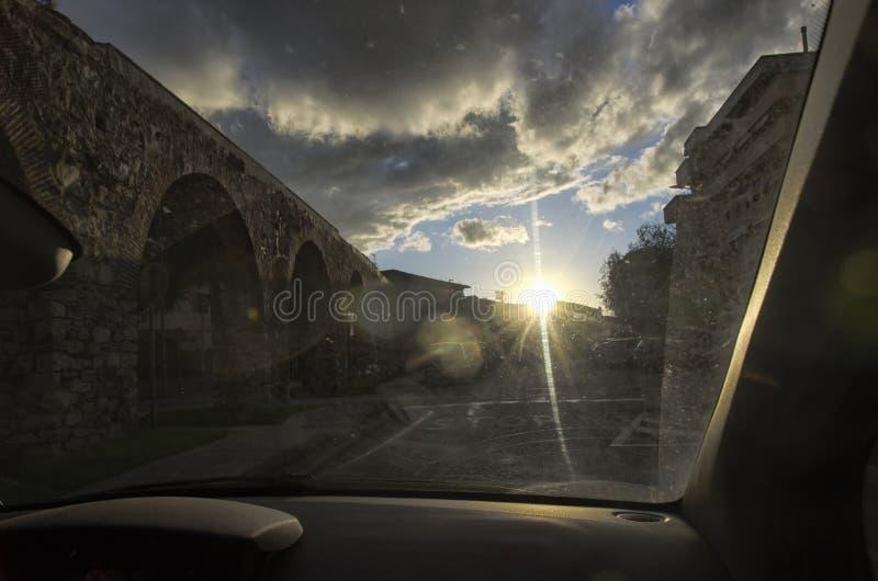 Мост-водовод Medicean изнутри автомобиля стоковая фотография rf