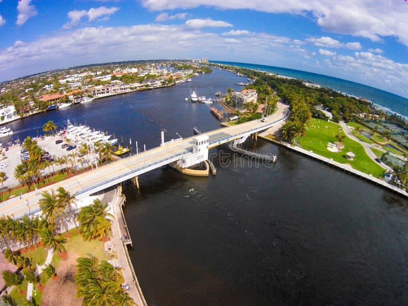 Мост входа Hillsboro; Пункт маяка, FL стоковые фото
