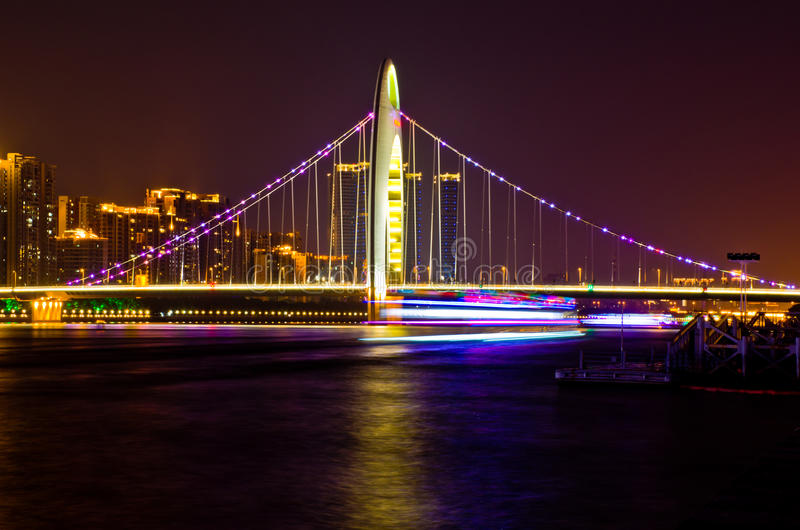Мост в Гуанчжоу стоковые фото