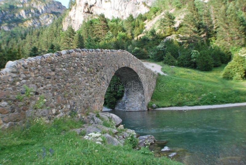 Мост в долине bujaruelo стоковое фото rf